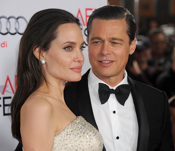 """Angelina Jolie şi Brad Pitt s-ar fi împăcat, fără să renunţe la divorţ. """"Nu îmi place să fiu singură"""""""