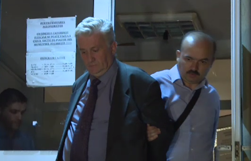 Trei bărbați și trei femei, reținuți după ce s-au dat drept inspectori OPC și cereau mită