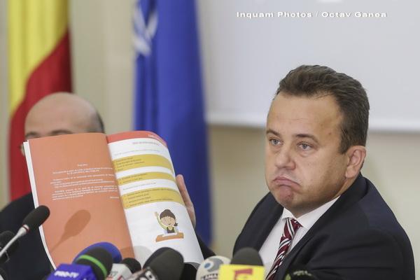 Liviu Pop, raport la 6 luni de mandat: Noua lege a manualului și stimularea învățământului dual
