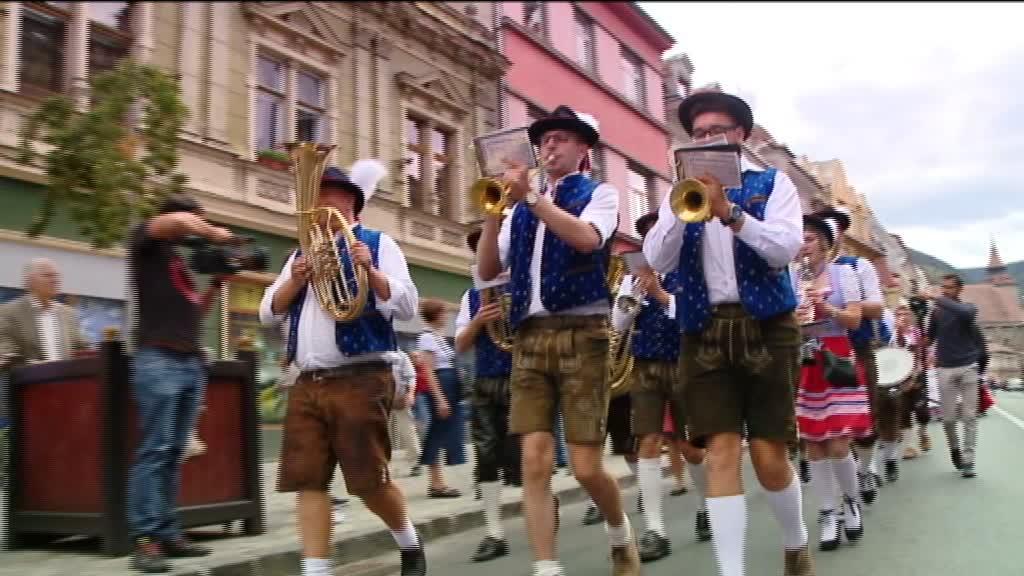 (P) Alătură-te cerbului Cornel la festivalul berii Oktoberfest
