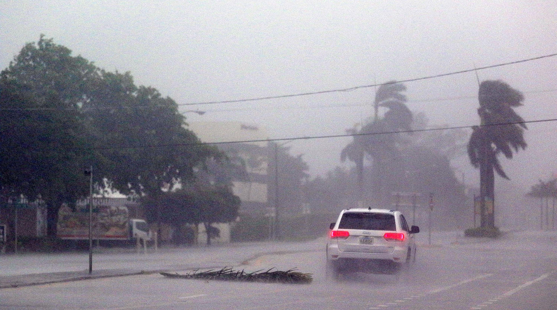 MAE: Patru români, evacuați din Caraibe și Puerto Rico, zone afectate de uraganul Irma
