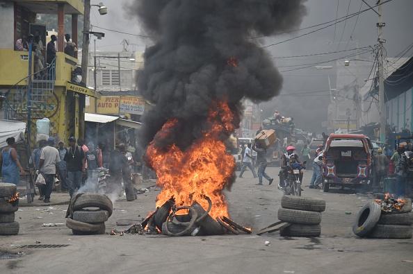 """Proteste violente în Haiti, în urma majorării taxelor: """"Revoluția a început"""""""