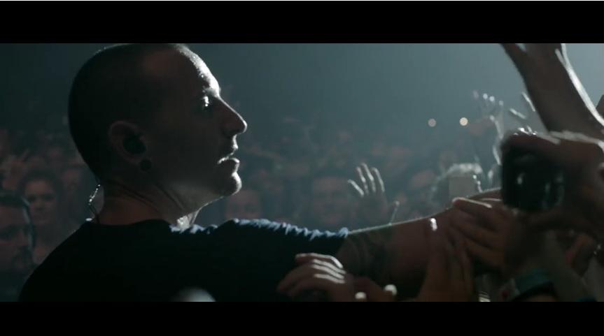 """Linkin Park a lansat un videoclip în memoria lui Chester Bennington: """"One more light"""""""