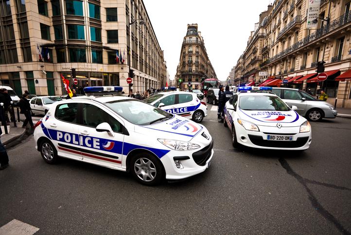 Bandă de români, care ar fi comis 30 de jafuri, arestată în Franța