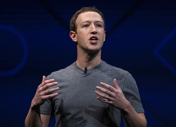Zuckerberg a devenit al treilea cel mai bogat om din lume. L-a depășit pe Warren Buffett