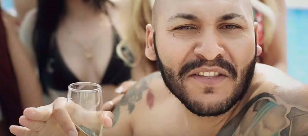 Cântărețul de manele Dani Mocanu, trimis în judecată din cauza unui clip postat pe Youtube