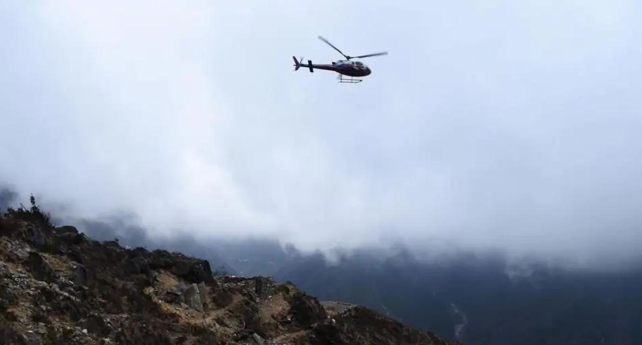 Un elicopter s-a prăbuşit în Nepal cu şapte persoane la bord