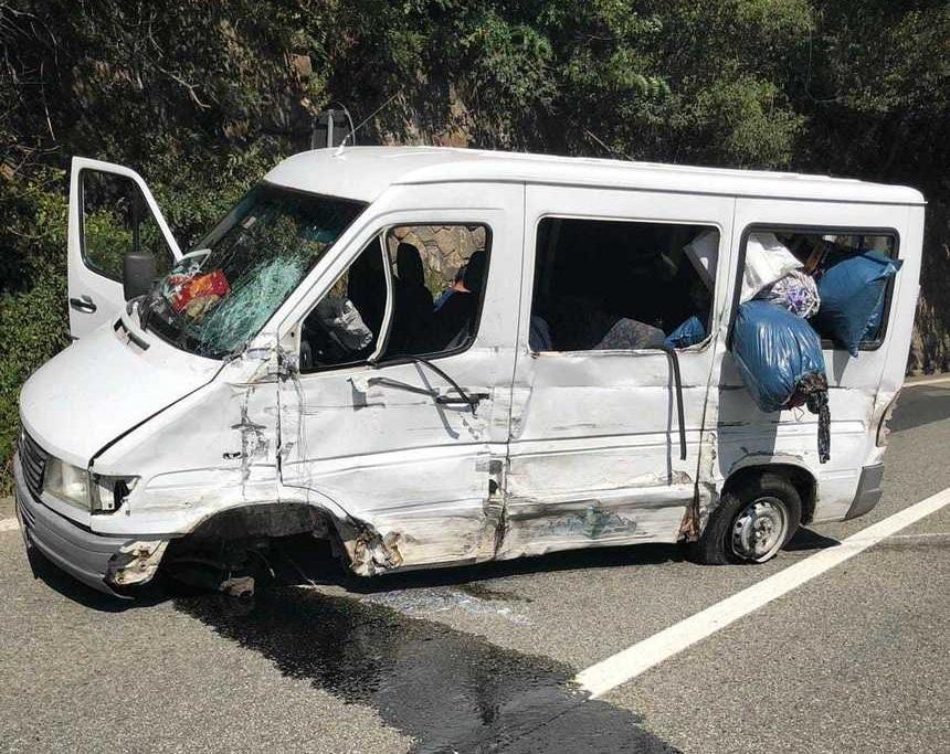 Accident cu 13 răniţi pe Valea Oltului. S-a declanşat PLANUL ROŞU