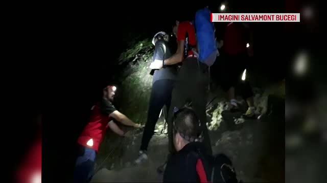 O tânără care suferă de astm a cerut ajutorul salvamontiștilor pe Munții Bucegi