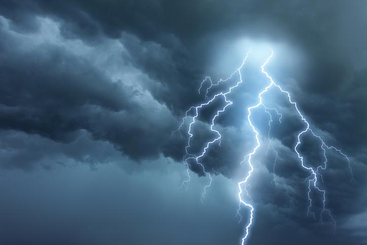 Avertizare MAE: Cod portocaliu de ploi puternice şi vânt, în Spania