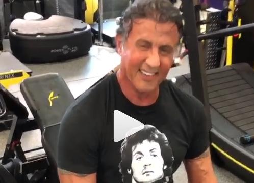 Imagini de senzație cu Sylvester Stallone în sala de antrenament, la 72 de ani