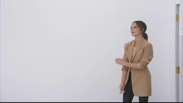 Premieră plină de emoţii pentru Victoria Beckham. Noua colecţie, prezentata la Săptămână Modei de la Londra