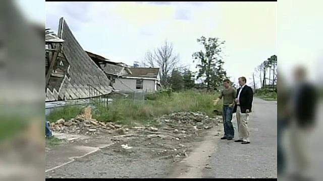 Victimele uraganului Katrina îl dau în judecată pe Brad Pitt, care le-a făcut case