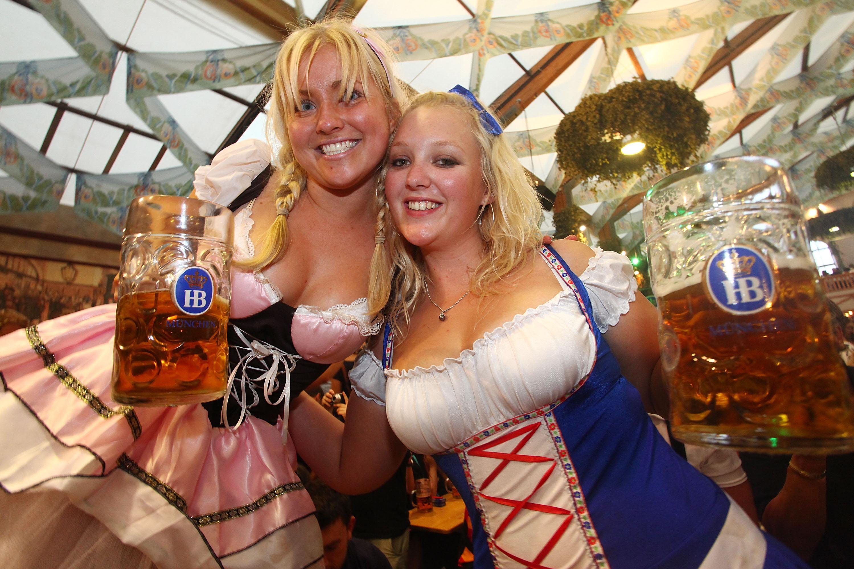 Oktoberfest 2018 a început. O bere costă în acest an 11.5 euro
