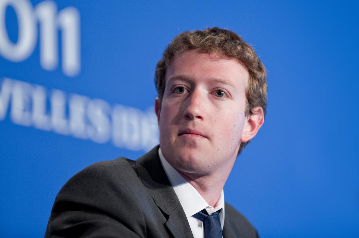 Facebook a fost ţinta unui atac informatic fără precedent. Cădere pe bursă