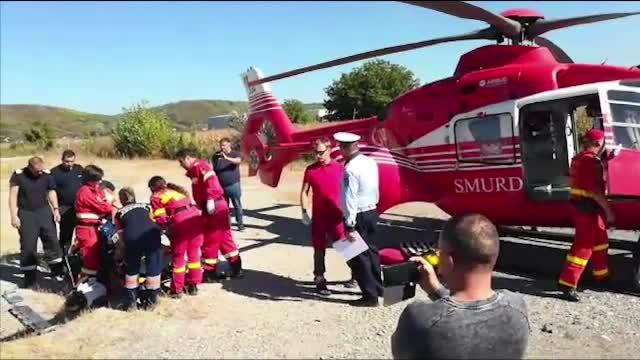Impact violent pe DN71. Patru răniți, după ce un șofer a făcut o depășire