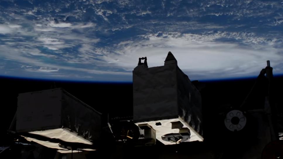 Imagini spectaculoase cu uraganul Dorian, de la NASA. Valurile ar putea atinge 6 m