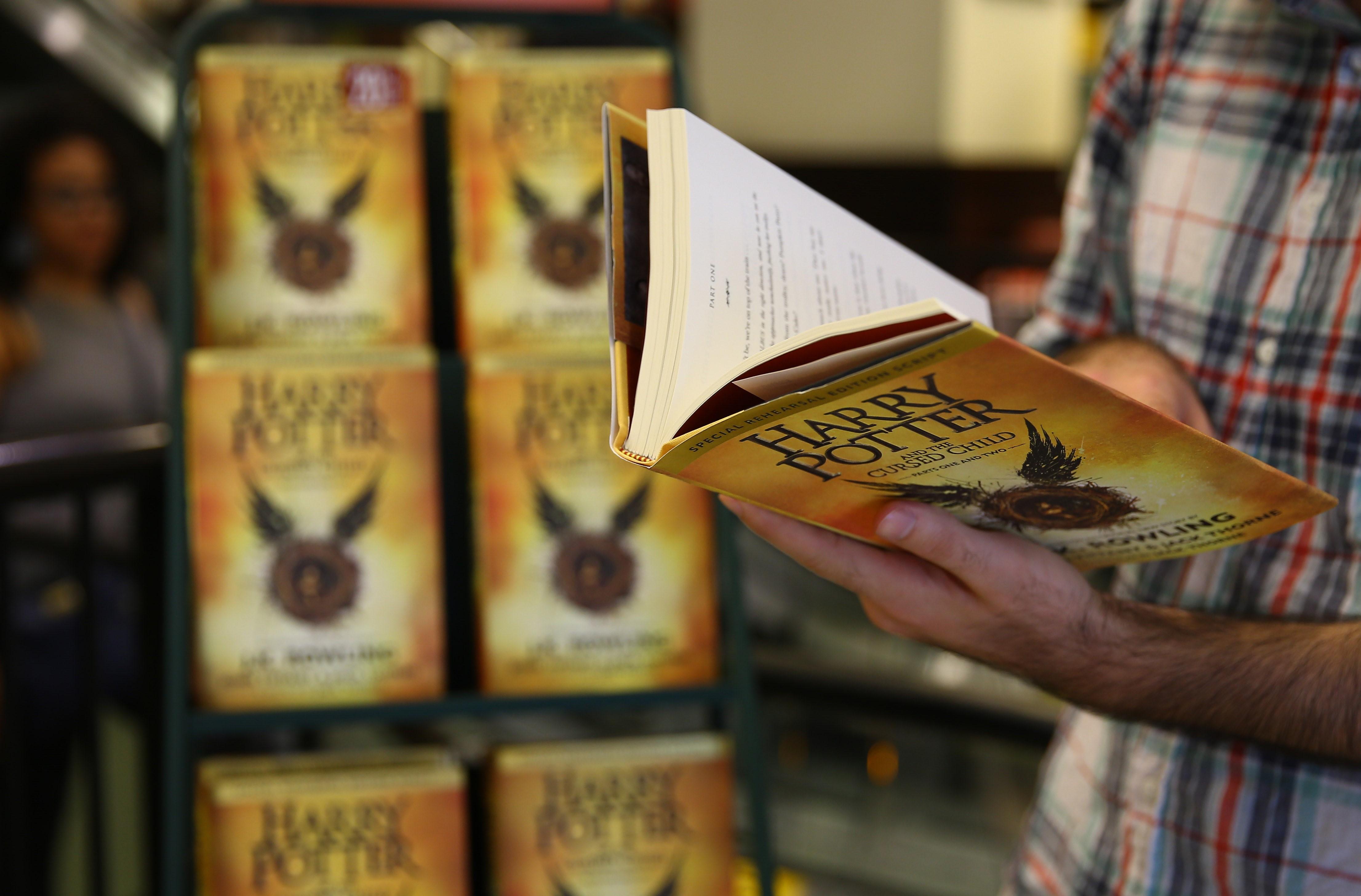 Motivul uluitor pentru care o școală a eliminat toate cărțile Harry Potter din bibliotecă