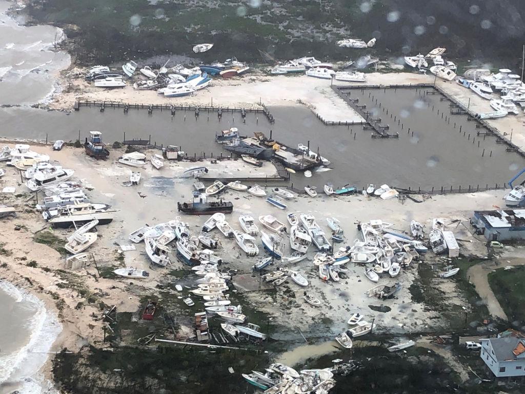 Uraganul Dorian se îndreaptă spre coasta SUA. 7 oameni au murit în Bahamas