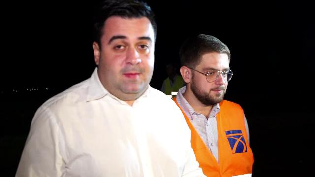 Răzvan Cuc, în inspecție noaptea pe un ciot de autostradă. Laudele ministrului pentru constructor