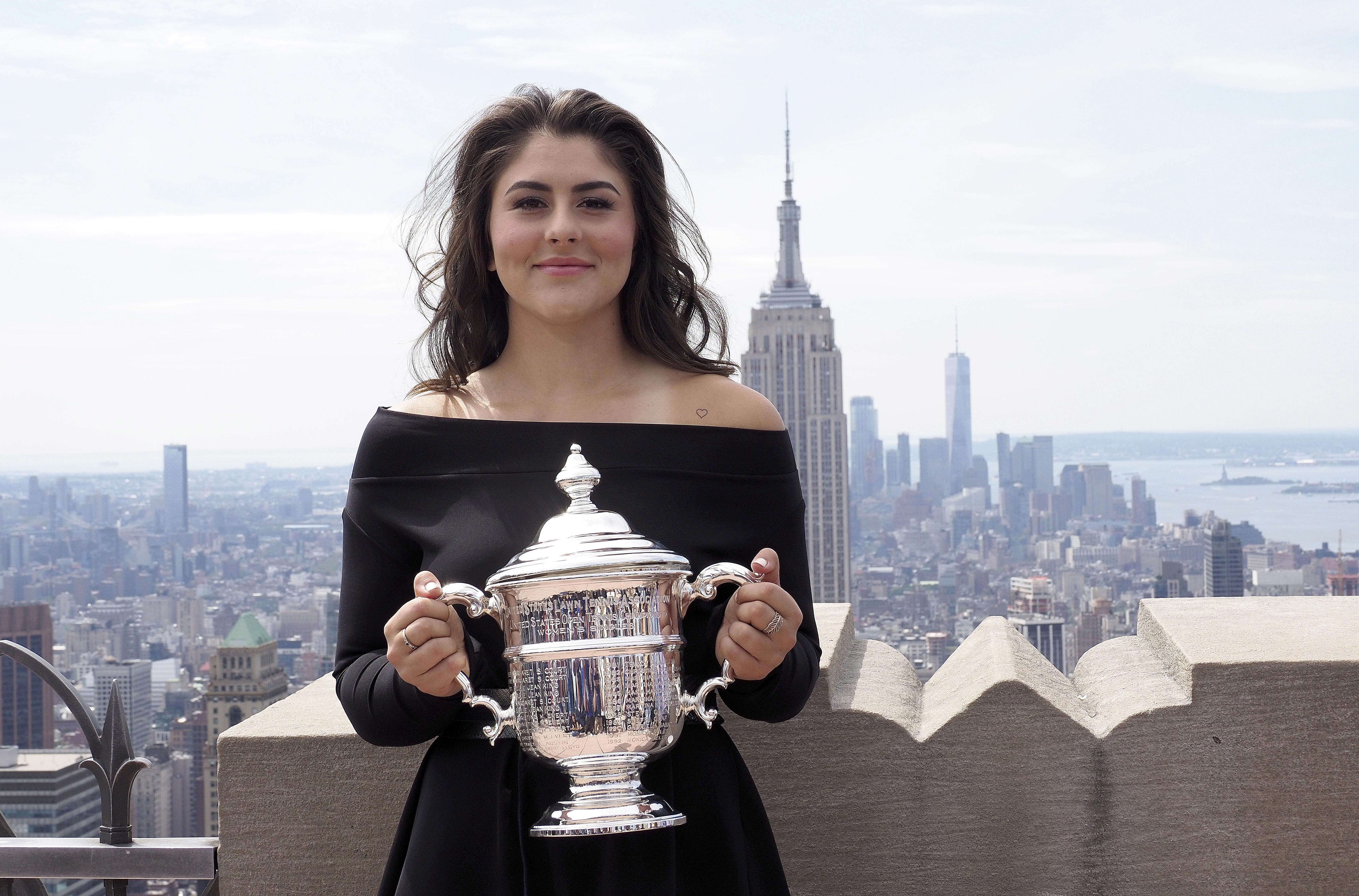 Bianca Andreescu, ședință foto cu trofeul US Open, primul ei titlu de Mare Șlem