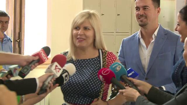 Elena Udrea, zâmbitoare la Curtea de Apel București. Ce a spus despre justiția din România