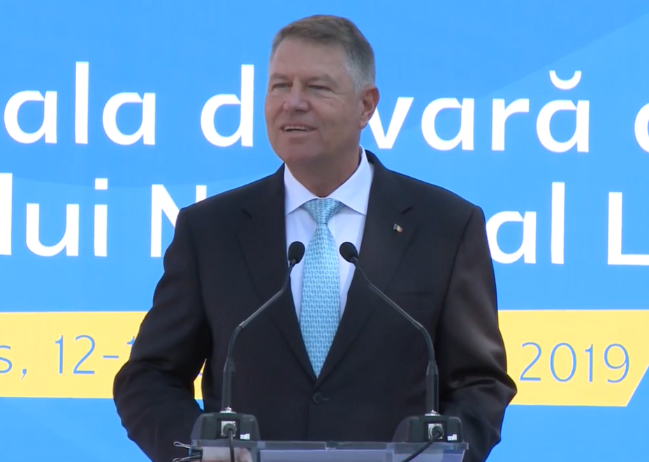 Iohannis: Dezastrul PSD-ist a răpit României șansa la dezvoltare. Tinerii pot reda țării speranța