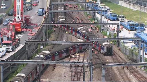Tren deraiat în Hong Kong: sunt mai multe victime. VIDEO
