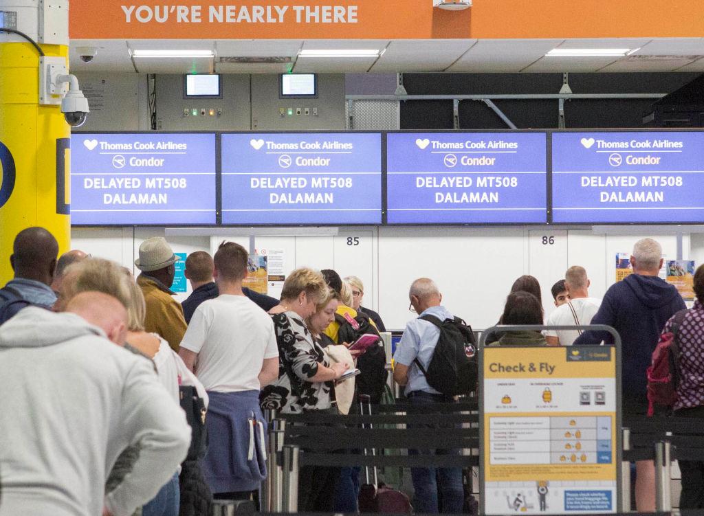 Falimentul Thomas Cook: sute de mii de turişti, blocaţi în staţiuni şi aeroporturi
