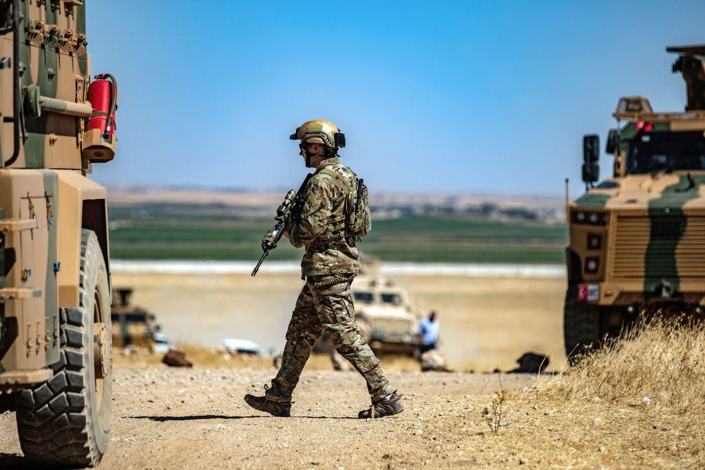 FBI a arestat un militar care ar fi plănuit atacuri teroriste în SUA. Ce ţinte viza