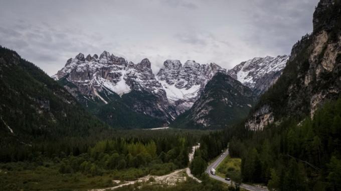 Un gheţar de pe Mont Blanc riscă să se prăbuşească. Ce au făcut autoritățile italiene
