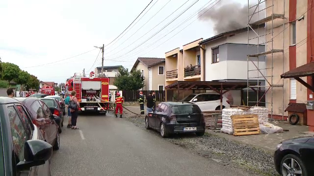 O vilă cu apartamente din Timiș, lovită de fulger. Mărturiile terifiante ale locatarilor
