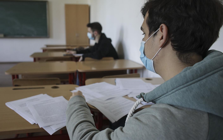 """Doar 77% dintre absolvenții de liceu s-au înscris la Bacalaureat: """"A fost mai greu și cu pandemia"""""""