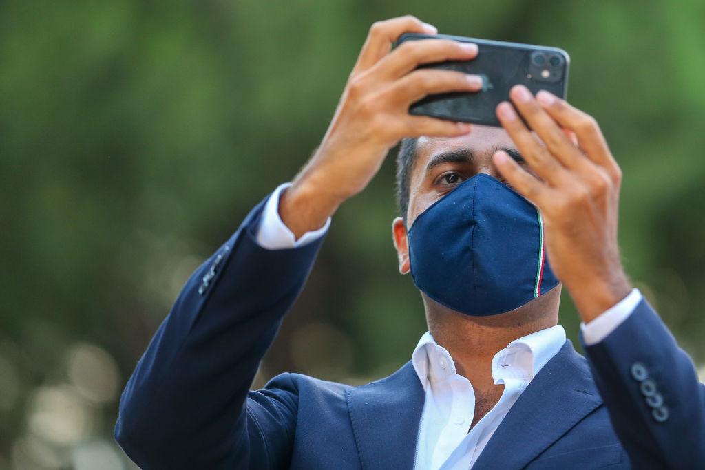 iPhone 12 nu va aduce în România cea mai rapidă versiune de 5G