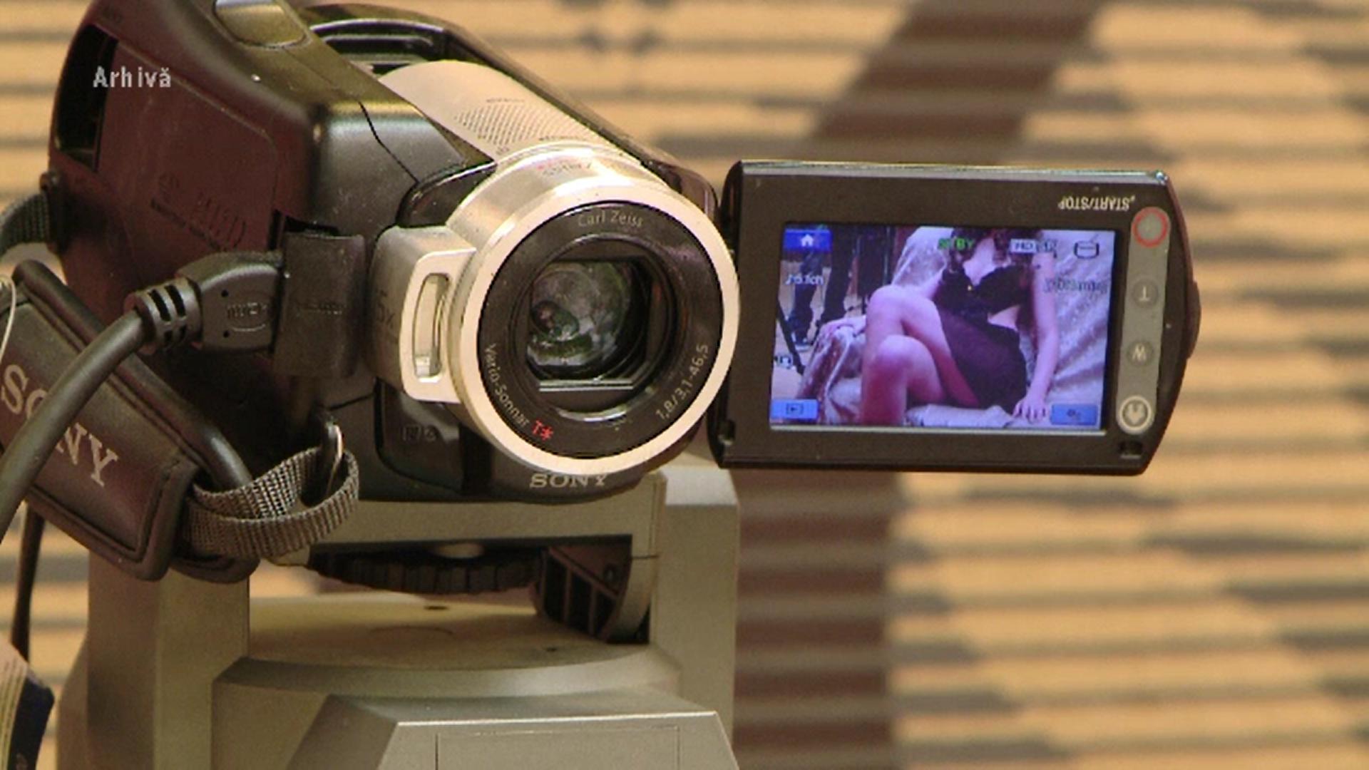 Judecătorii i-au interzis unei ieșence să mai facă videochat timp de 2 ani. Cum s-a ajuns aici