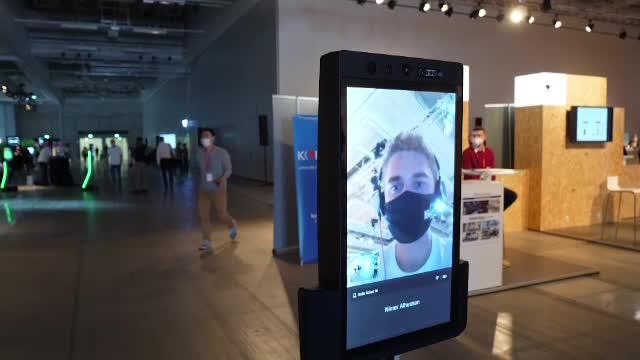 Noutăți de la IFA Berlin. Cum arată robotul care poate fi trimis la birou și controlat de acasă