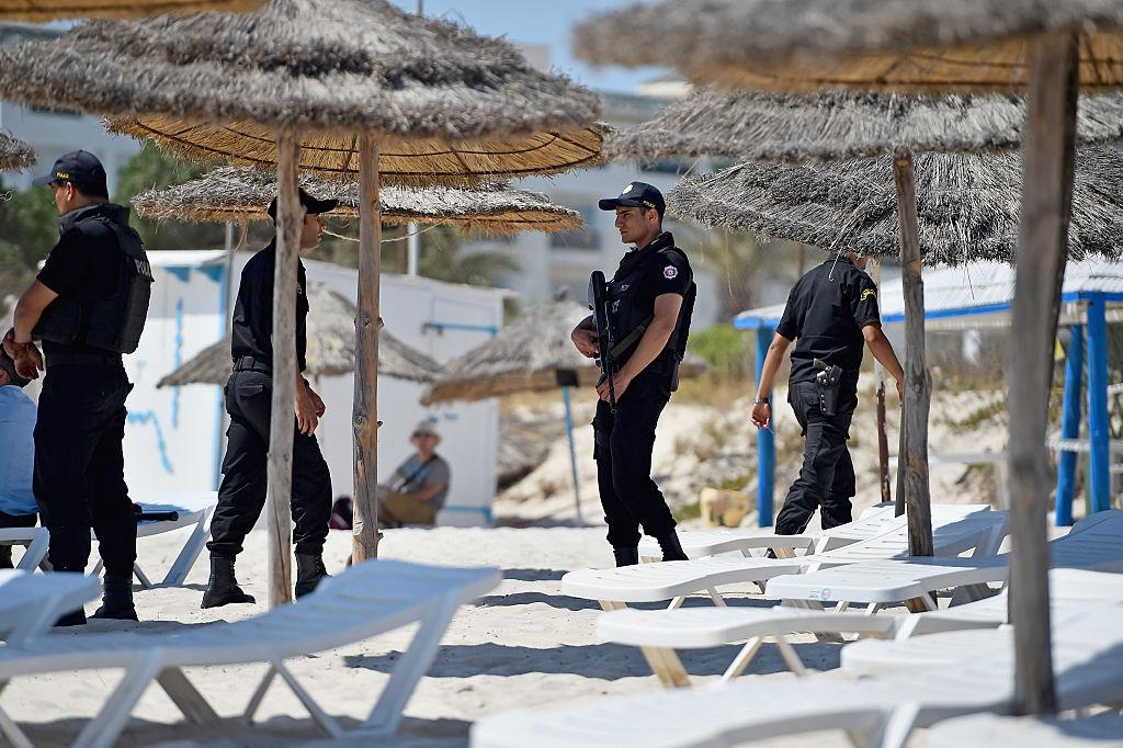 Atac terorist într-o stațiune turistică. Un polițist a fost ucis, iar altul este rănit