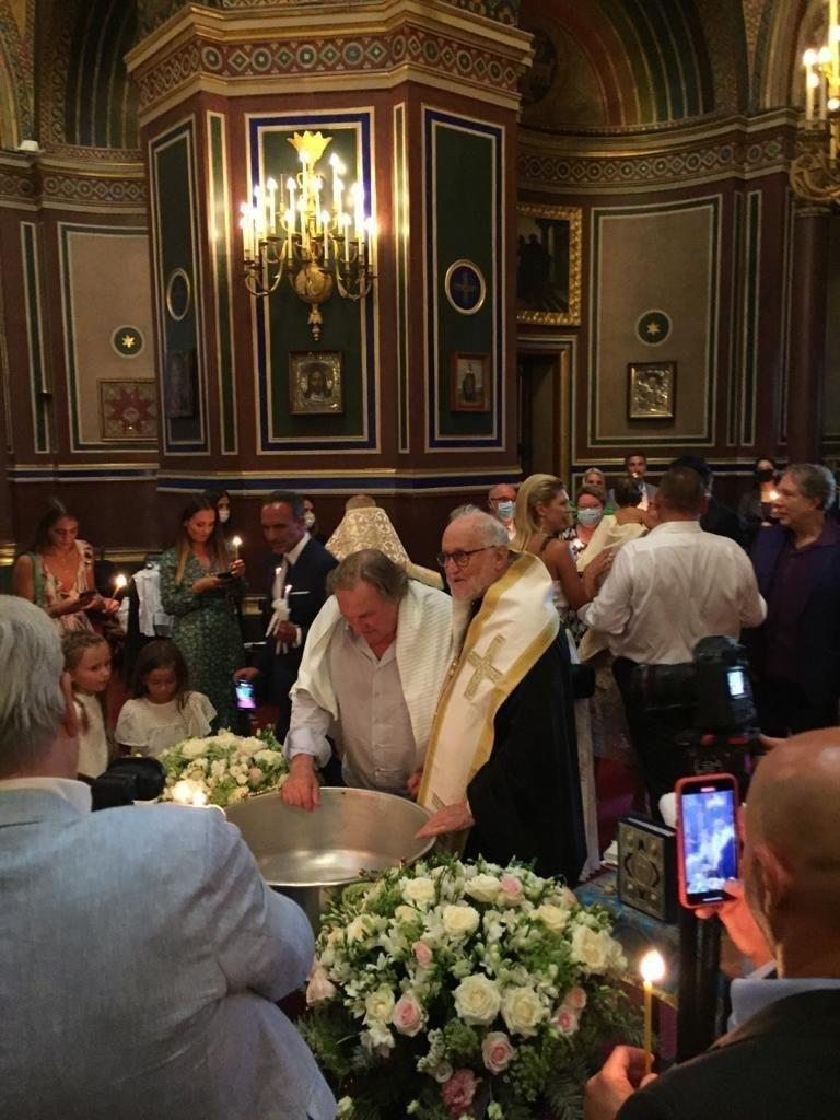 Gerard Depardieu s-a convertit la ortodoxism. La câte religii a trecut până acum actorul