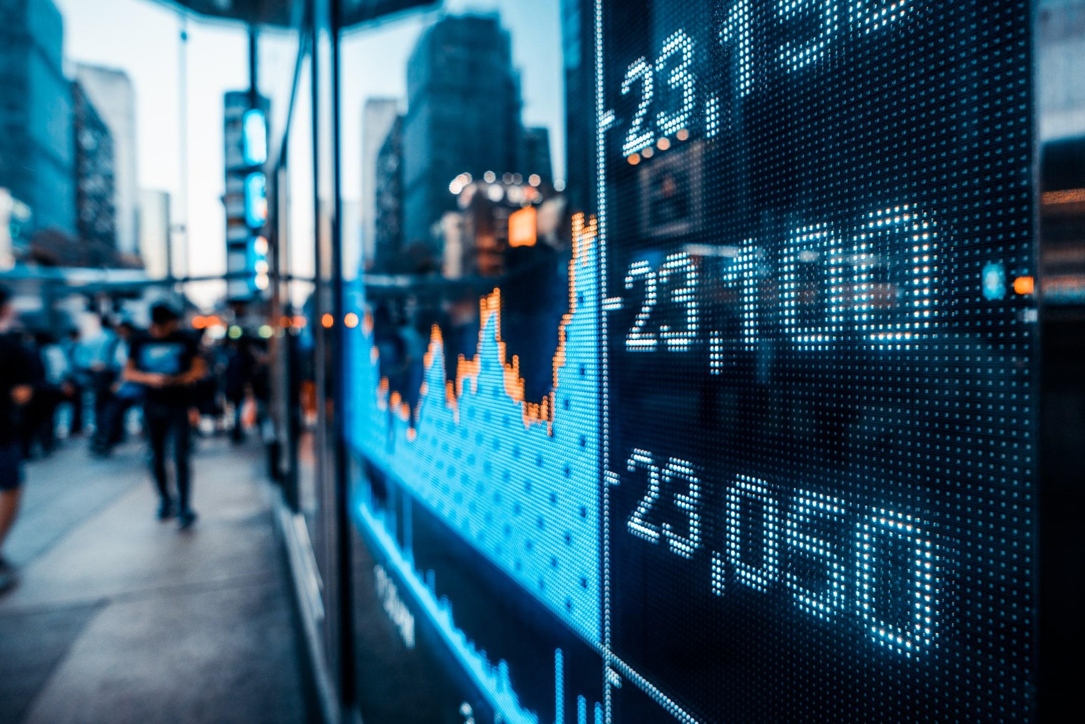 """Analiză Deutsche Bank: Omenirea va intra într-o """"Eră a Dezordinii"""", accelerată de pandemie"""