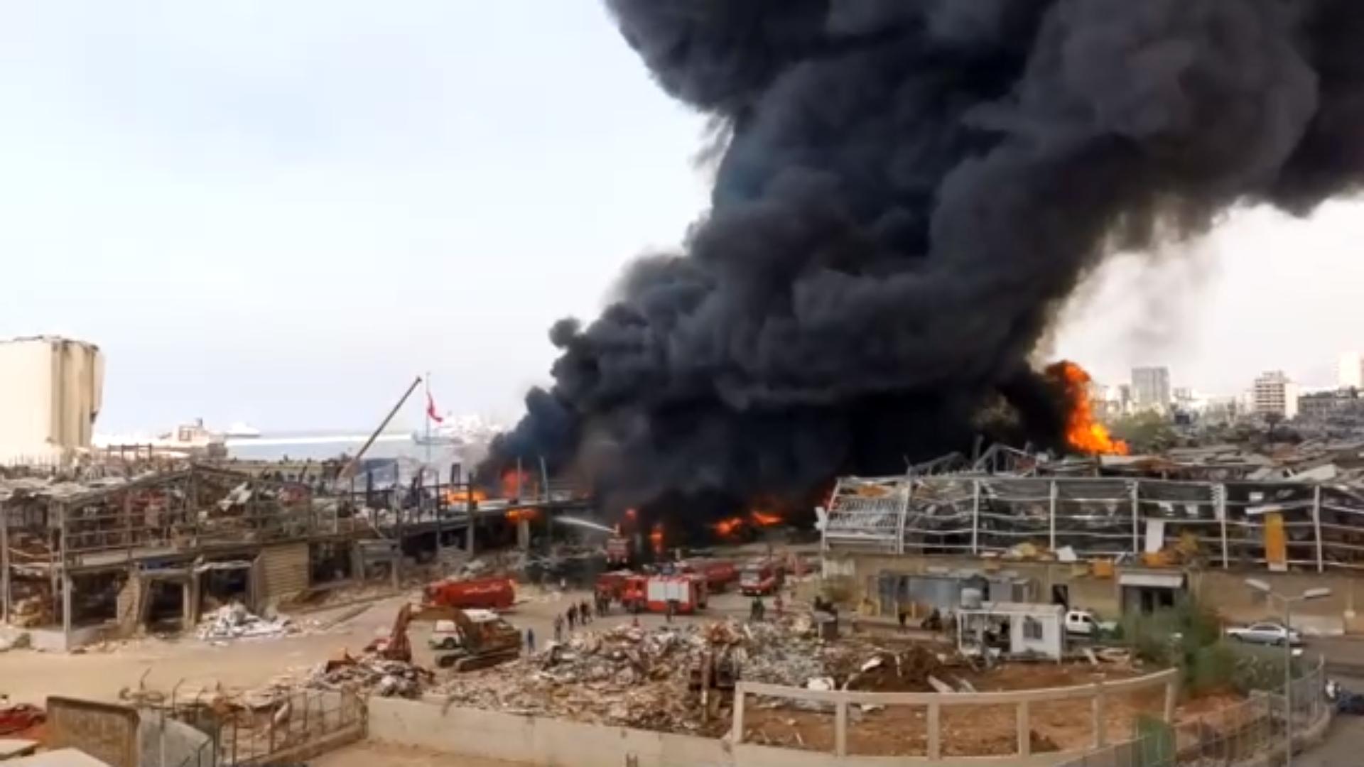 Incendiu uriaș la un depozit din Beirut, la o lună după explozia devastatoare