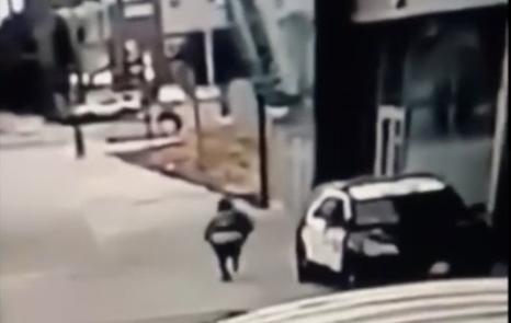 """Momentul în care 2 polițiști sunt împușcați în timp ce se aflau în mașină: """"Sper ca acest monstru să fie prins"""". VIDEO"""