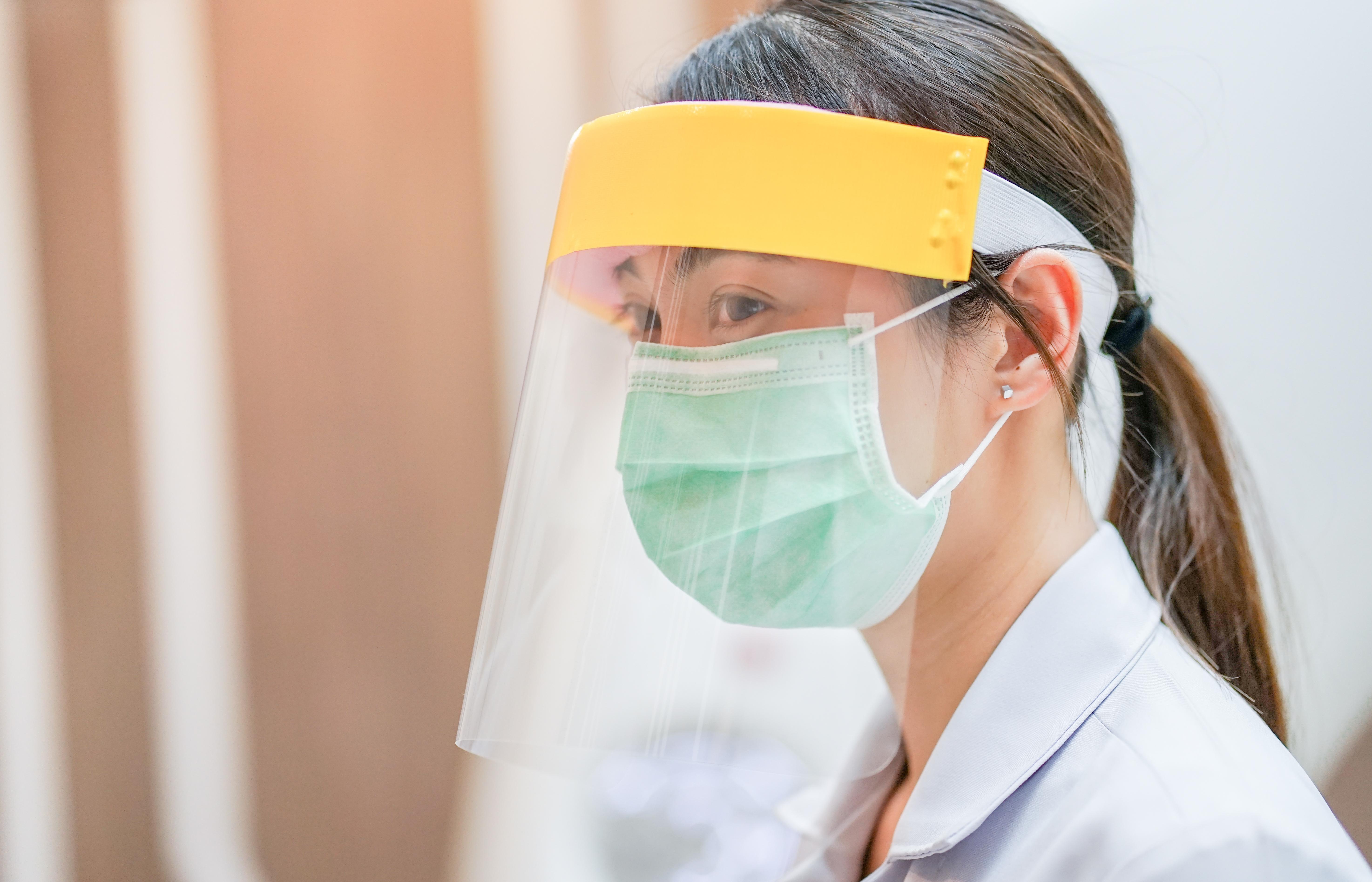 Studiu al cercetătorilor japonezi. Vizierele de plastic nu previn infectarea cu Covid-19