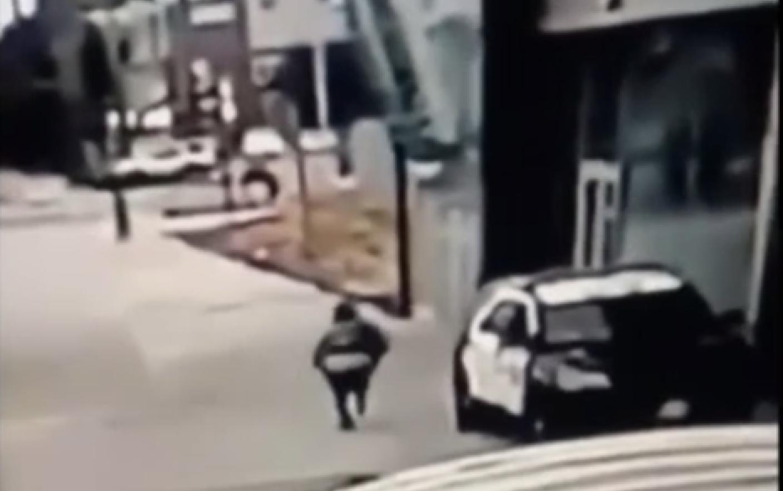 """Momentul in care 2 politisti sunt impuscati in timp ce se aflau in masina: """"Sper ca acest monstru sa fie prins"""". VIDEO"""