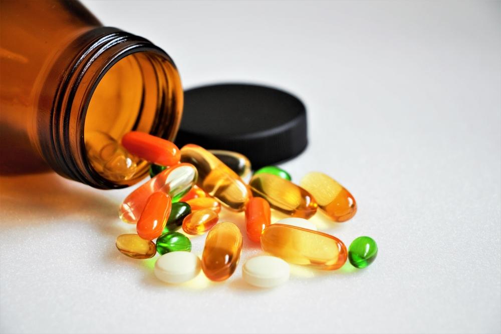Medic: Pacienții cu forme ușoare de Covid care se tratează singuri cu vitamine ajung în stare gravă la spital