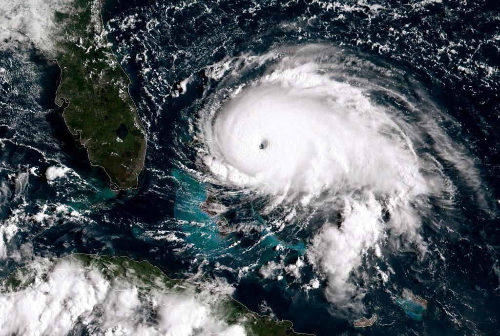 Uraganul Delta a lovit zona de coastă a statului Louisiana