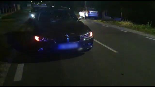 Pieton accidentat grav de o mașină, după ce ar fi traversat strada prin loc nepermis