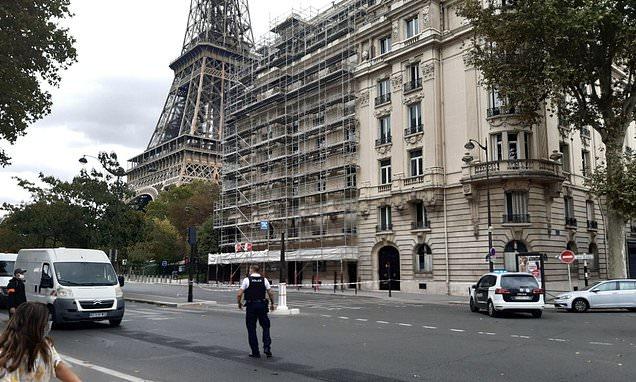 Zona Turnului Eiffel, evacuată pentru scurt timp după ce a fost găsit un pachet cu muniţie