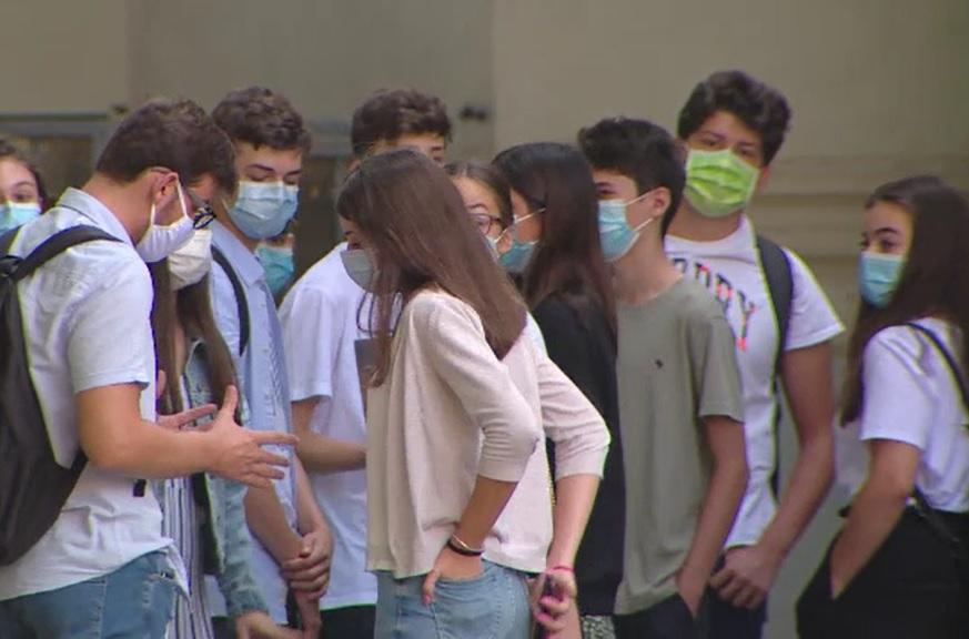 Festivitățile de deschidere a anului școlar vor fi ținute cu mască, cel mult o oră jumătate