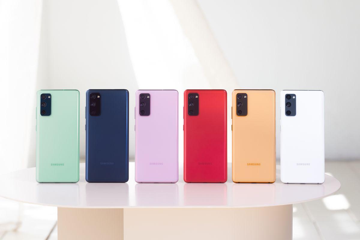 Samsung a prezentat modelul Galaxy S20 FE. Când ajunge în România și ce preț va avea