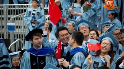 Studenților chinezi care plagiază le-ar putea fi respinse cererile pentru un credit ipotecar